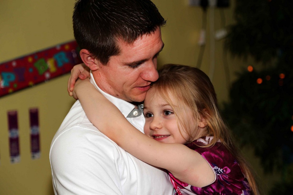 FATHERDAUGHTER PHOTO_HL